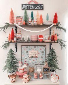 50 Creative & Classy DIY Christmas Table Decoration Ideas - The Trending House Merry Little Christmas, Cozy Christmas, Christmas Crafts, Whimsical Christmas, Vintage Christmas Party, Xmas, Country Christmas, Outdoor Christmas, Christmas Trees