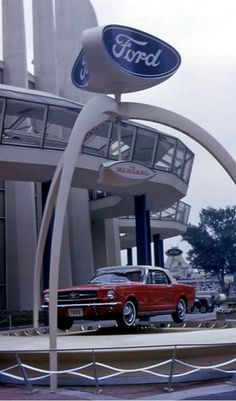 New Mustang at the Ford Pavillion, 64/65 NY Worlds Fair