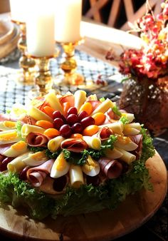 Sandwhich Cake, Chicken Carbonara, Fruit And Vegetable Carving, Fika, Fruits And Vegetables, Bacon, Cobb Salad, Tapas, Sushi