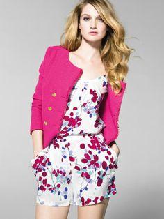 """En esta imagen: Chaqueta (2I65S2083); Malla (5C6MST0Z5); Shorts (4C6MS9053). Colección Mujer United Colors of Benetton primavera/verano 201..."