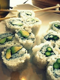 I love my veggie sushi. Eat with ginger, pickled is the best. Super good for you! Fun Foods To Make, My Favorite Food, Favorite Recipes, Veggie Sushi, Sushi Love, Best Dishes, Clean Eating Recipes, Great Recipes, The Best