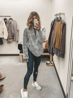 Timeless And Comfy Jean Outfits For Travelling - FashionActivation Nordstrom Anniversary Sale Guide: 2019 Early Access Try-On Session Outfit Jeans, Outfits Leggins, Cute Outfits With Leggings, Cute Lazy Outfits, Sweatpants Outfit, Teenage Outfits, Sporty Outfits, Fall Fashion Outfits, Simple Outfits