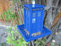TARDIS Bird feeder Instructable! I need to make this!