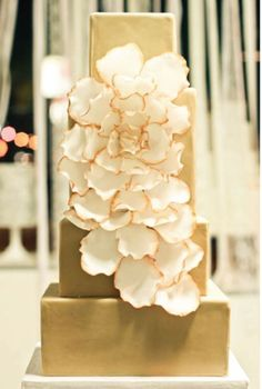 Wedding Cakes Pictures: champagne wedding cake