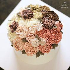 Done by student #buttercream #flowercake #ollicake #olliclass #olligram #blossom #bouquet #peony #succulent #autumn #하이베리쿰 #작약 #다육이 #버터크림 #플라워케익 #올리케이크 #올리클래스 #동편마을 #꽃스타그램 #케익스타그램 #since2008 www.ollicake.com ollicake@naver.com