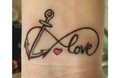 Tatuajes infinito Descubre las mejores fotos de tatuajes infinito El símbolo de infinito es uno de los más utilizados en los tatuajes. En la mayoría de los casos se elige para grabarlo la zona interior de la muñeca. La gran ventaja de este tatuaje es que combina