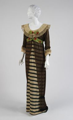 Paul Poiret 1910. I'm not crazy a bout this dress, but some on the colors are inspiring me.