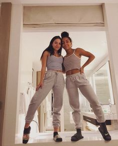 ♥ fashion teenage ideas to look cool and fashionable 2 Cute Lazy Outfits, Teenage Outfits, Trendy Outfits, Summer Outfits, School Outfits, 50 Fashion, Fashion Outfits, Casual Teen Fashion, Best Friend Photos