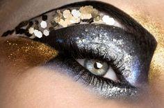 ken-pao-beauty-black-silver-gold