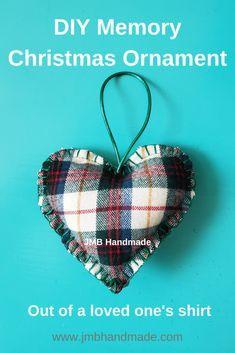 Sewn Christmas Ornaments, Memorial Ornaments, Christmas Mom, Christmas Fabric, How To Make Ornaments, Handmade Christmas, Christmas Ornament Template, Christmas Ideas, Christmas Crafts