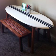 Trendy Diy Desk Ideas For Kids Filing Cabinets Surfboard Table, Surfboard Decor, Surf Decor, Decoration Surf, Bar Deco, Diy Projects For Men, Burger Bar, Table Design, Beach Room