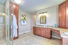 Another view of the spa like master ensuite.