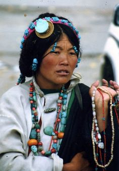 Selling wares in Lhasa, Tibet People Around The World, We The People, Portraits, Portrait Paintings, World Cultures, Buddhism, Face And Body, First World, Portrait Photography