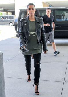 kimkardashianfashionstyle:  August 5, 2014- Kim Kardashian at the Topanga Mall in Woodland Hills.