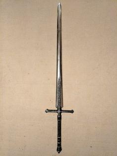Dark Souls- Silver Knight Straight Sword by on DeviantArt - Messer Fantasy Sword, Fantasy Weapons, Swords And Daggers, Knives And Swords, Silver Knight, Knight Sword, Types Of Swords, Sword Tattoo, Cool Swords