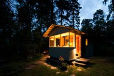This tiny cottage in Lauttasaari, Finland has a total surface of 14 square meters.   The 4-person cottage was built by Verstas Architects.  http://www.homedit.com/20-smart-micro-house-design-ideas-that-maximize-space/