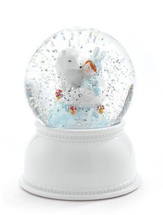 A night light that doubles as a snow globe... and saves power!
