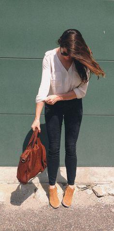 White Button Down Shirt// Street Style