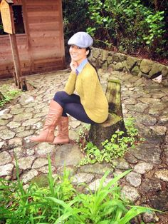 Denim collar shirt under a #cableknit #sweater with #leggings and #boots. #fashion #ootd