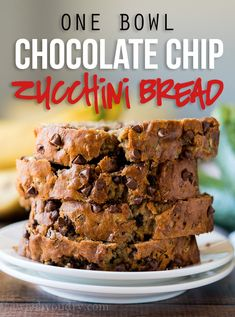 One Bowl Chocolate Chip Zucchini Bread OMG! This one bowl Chocolate Chip Zucchini Bread comes together super fast with just one bowl and a fork! My whole family loved this super moist and delicious bread! Chocolate Chip Zucchini Bread, Chocolate Peanut Butter Cups, Zucchini Bread Recipes, Mini Chocolate Chips, Best Dessert Recipes, Fun Desserts, Delicious Desserts, Healthy Recipes, Keto