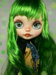 Blythe Doll With Bright Green Hair!
