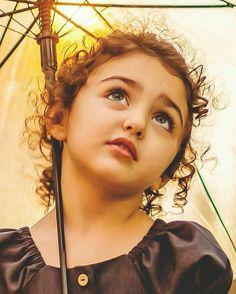 Who is Anahita Hashemzadeh the Beautiful Girl Cute Baby Couple, Cute Little Baby Girl, Beautiful Baby Girl, Beautiful Children, Cute Kids Pics, Cute Baby Girl Pictures, Aya Sophia, Cute Baby Girl Wallpaper, Cute Babies Photography