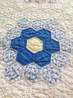 Antique 20s – 30s hexagon grandmothers flower garden quilt on Etsy, £85.00