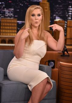 """Amy Schumer Photos Photos - Amy Schumer Visits """"The Tonight Show Starring Jimmy Fallon"""" at Rockefeller Center on July 2015 in New York City. - Amy Schumer Visits 'The Tonight Show Starring Jimmy Fallon' Badass Women, Sexy Women, Amy Shumer, Comedian Amy Schumer, Pin Up, Katie Couric, Famous Women, Famous People, Humor"""
