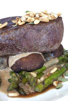 Pan Roasted Beef Tenderloin Steak / @DJ Foodie / DJFoodie.com