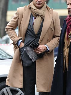 My vision of dapper style & selfies Sharp Dressed Man, Well Dressed Men, Camel Coat Outfit, Popular Dresses, Costume, Autumn Winter Fashion, Winter Style, Fall Fashion, Style Fashion