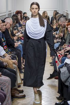 #JWAnderson   #fashion  #Koshchenets J.W.Anderson Fall 2017 Ready-to-Wear Collection Photos - Vogue