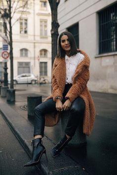 Look: Teddy Bear Coat in Paris - Super Vaidosa Teddy Bear Jacket, Teddy Coat, Paris Outfits, Winter Outfits, Winter Ootd, Winter Clothes, Winter Coats Women, Coats For Women, Ralph & Russo