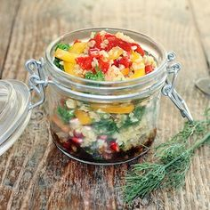This Ayurvedic Bulgur salad is not only quick to prepare and tasty, it is also great for bringing it Quick Vegan Meals, Vegan Recipes Easy, Ayurveda Pitta, Prepped Lunches, Meals In A Jar, Alternative Health, Healthy Salads, Tapas, Clean Eating
