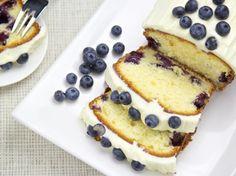 Blaubeeren-Zitrone-Frischkaese-Kuchen
