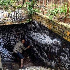 Chalk street art 3d Street Art, Murals Street Art, Urban Street Art, Amazing Street Art, Street Art Graffiti, Mural Art, Street Artists, Amazing Art, Awesome