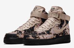 Official look at the Nike Air Force 1 High Acid Wash Print Pack that will be releasing in the near future. Nike Air Force High, Nike Air Force Ones, Latest Sneakers, Sneakers Fashion, High Top Sneakers, Sneakers Nike, Nike Shoes, Exclusive Shoes, Shoes World