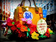 28th KADAYAWAN FESTIVAL PAMULAK SA KADALANAN (Floral Float Parade) | DOUBLE THE FUN