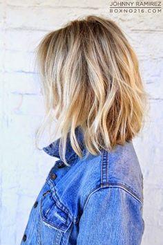 Een paar jaar geleden had ik mezelf in mijn hoofd gehaald dat ik een donkere kleur in mijn haar wilde. Ik wilde van blond naar bruin. Zo eigenwijs als dat ik be