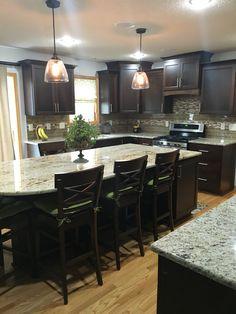 Example of lighter wood flooring with dark cabinets. Kitchen Reno, Kitchen Remodel, Kitchen Ideas, Kitchen Design, Bathroom Cabinets, Kitchen Cabinets, Sexy Home, Dark Cabinets, Wood Flooring