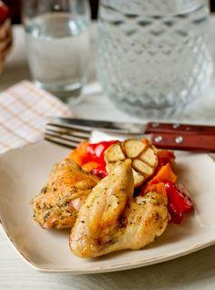 Курица, запеченная с тыквой и перцем в прованских травах