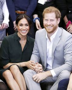 """Success Team on Instagram: """"The Sussexes Officially Sign with the Obamas and Clintons' Speaking Agency  Prince Harry and Duchess Meghan have officially signed a…"""" Celebrity Look, Celebrity Couples, Celebrity Gossip, Celebrity News, Prince Harry Et Meghan, Harry And Meghan, Princess Meghan, Duchess Kate, Duke And Duchess"""
