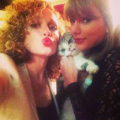 """"""" abigail_lauren: """"We need a prop. I'll grab a cat."""" @taylorswift (x) """""""