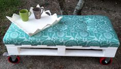 Country Chic Pallet Bench