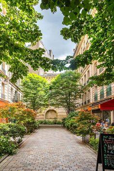 Future Wallpaper, Paris Wallpaper, Iphone Wallpaper Photography, Belle Villa, Paris Ville, Paris City, Paris Photos, Eurotrip, Roman Empire
