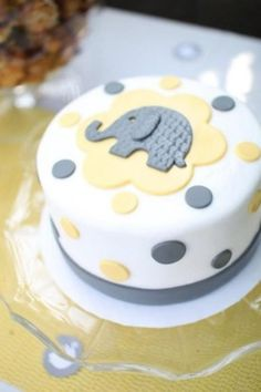 Gender Reveal Cake - I love this cake design! Torta Baby Shower, Baby Shower Pasta, Baby Boy Shower, Baby Shower Cupcakes Neutral, Elephant Baby Shower Cake, Fancy Cakes, Cute Cakes, Pink Cakes, Fondant Cakes