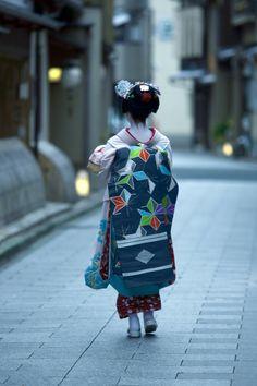 kimono, great fabric for interiors