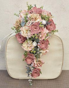 New vintage wedding colors blue bridal shower Ideas Cascading Wedding Bouquets, Wedding Table Flowers, Bride Bouquets, Bridal Flowers, Flower Bouquet Wedding, Silk Flowers, Wedding Decorations, Wedding Ideas, Trendy Wedding