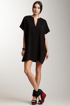 love this short sleeve shirt dress