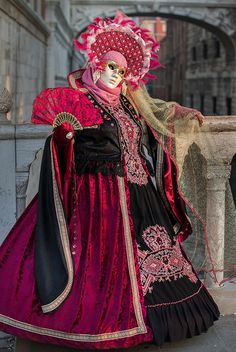 Venice Carnival 2014 by Kinesthesis Carnival Fantasy, Carnival Date, Carnival Costumes, Carnival Of Venice, Venice Carnivale, Venice Mask, Venetian Carnival Masks, Beautiful Mask, Creative Costumes