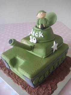 Army Tank Cake - cake by Sugar Sweet Cakes Army Themed Birthday, Army Birthday Cakes, Army Birthday Parties, Army's Birthday, Harry Birthday, Army Tank Cake, Army Cake, Military Cake, Fondant